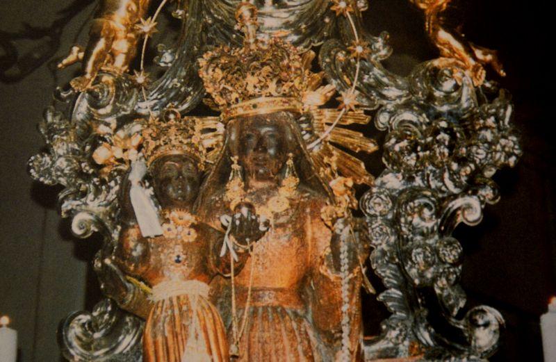 La Madonna Nera dei Poveri